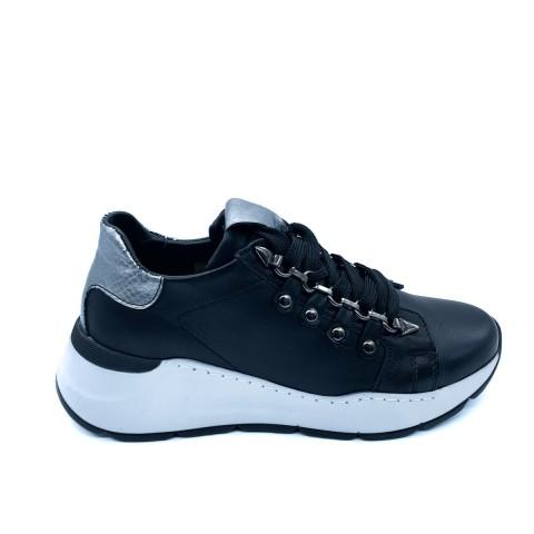 Sneaker donna nera Grunland